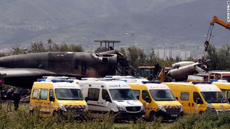 Algerian military plane crash kills 257 people
