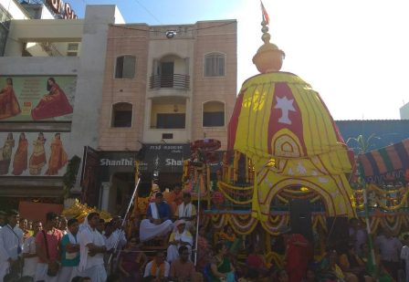 Hundreds of devotees participated in the Jagannath Rath Yatra 2