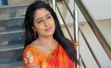 Telugu news anchor commits suicide