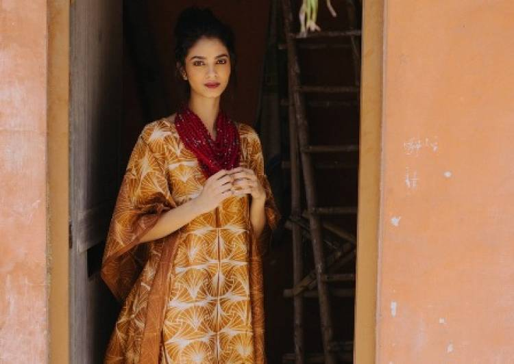 Exciting Sale of Designer Wear by House of Wandering Silks