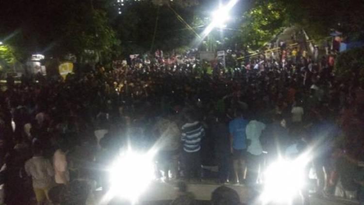 SRM University: Staff Masturbates in front of Student