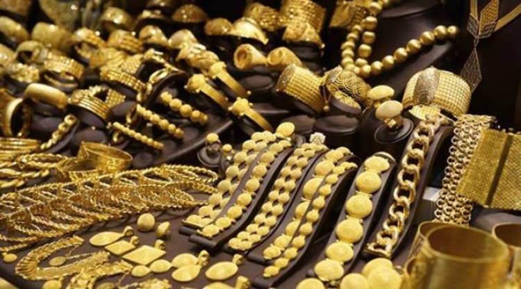 Government working on gold policy, gold council: Suresh Prabhu