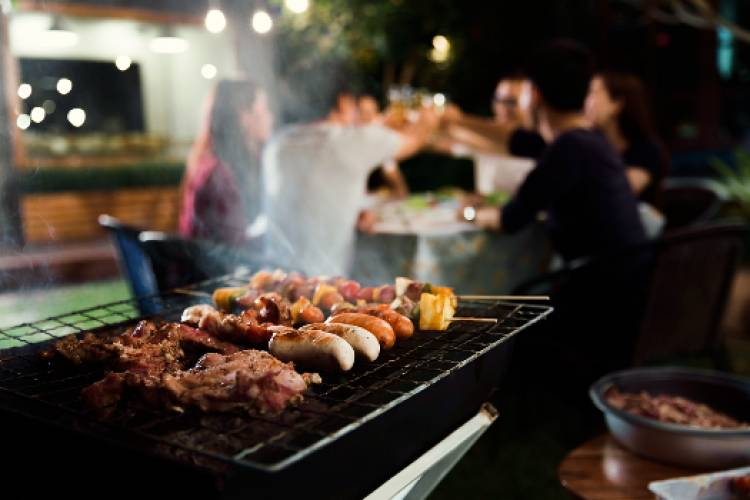 Barbeque & Grills under the stars by the Pool!