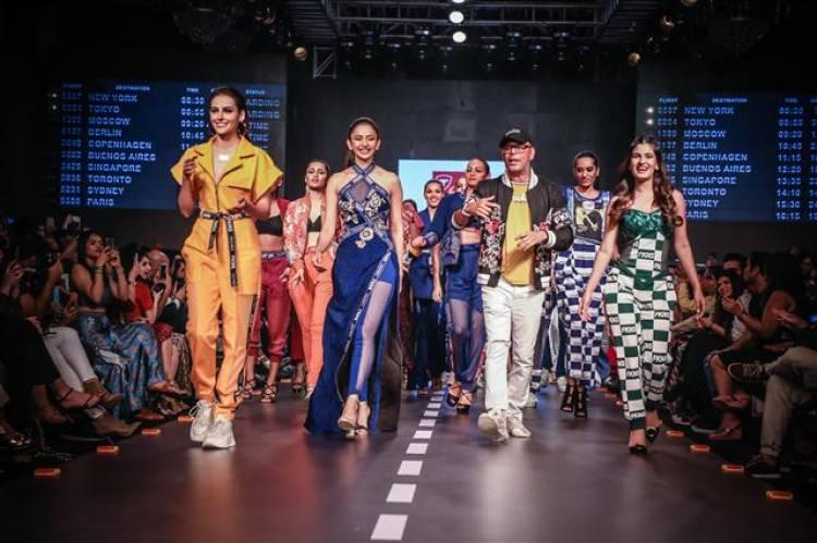 Actor Rakul Preet Singh walks the ramp for ACE designer Narendra Kumar and leading luggage brand Traworld