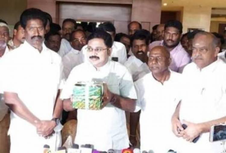 T.T.V. Dhinakaran's AMMK gets 'gift pack' symbol