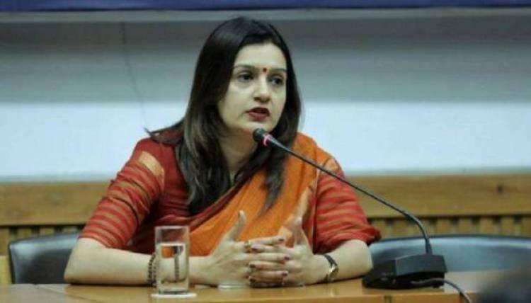 Priyanka Chaturvedi quits Congress, to join Shiv Sena