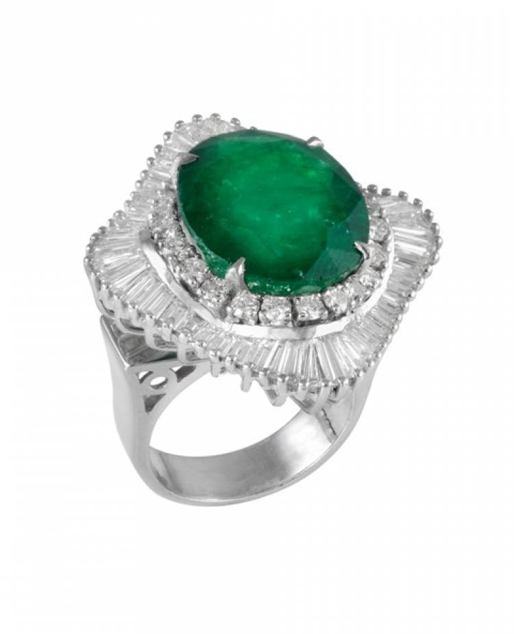 4 ring designs every woman needs in her jewelry box