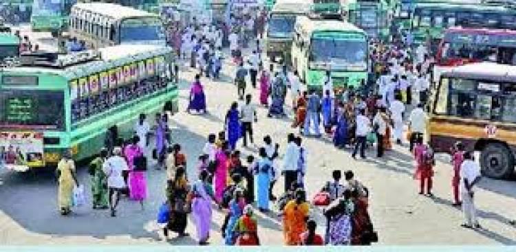 3 நாட்கள் தொடர் விடுமுறை.. கூட்ட நெரிசலால் சிக்கி தவித்த சென்னை கோயம்பேடு