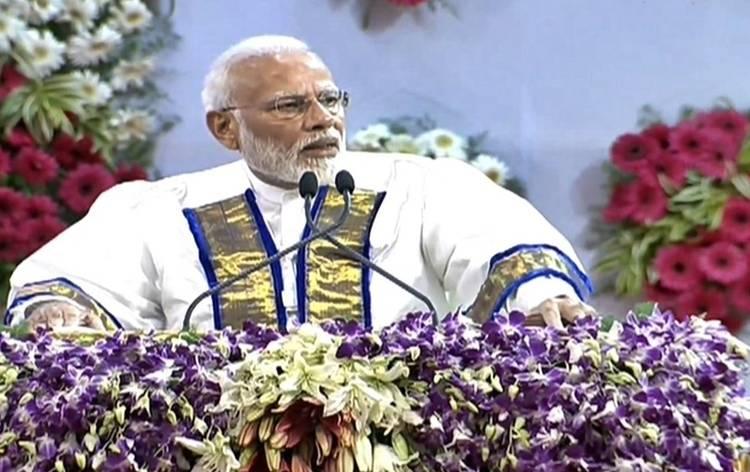 ஐஐடி மாணவர்களுக்கு பட்டம் வழங்கினார் பிரதமர் மோடி!