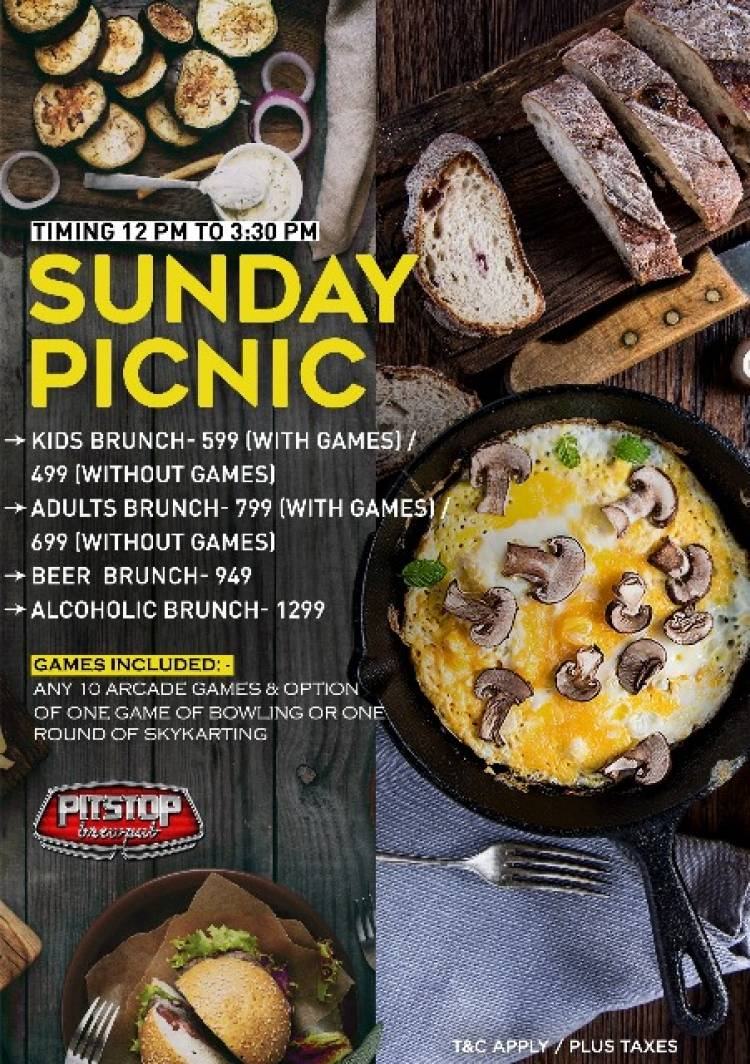 Come and Enjoy Sunday Brunches at SMAAASH with your family and crew