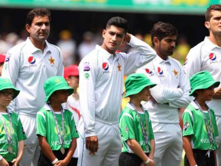 சச்சின் போன்று 16 வயதில் டெஸ்ட் போட்டியில் அறிமுகமாகும் பாகிஸ்தான் வீரர்