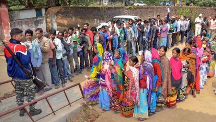 ஜார்க்கண்ட் சட்டப்பேரவைத் தேர்தல்: 16 தொகுதிகளில் இறுதிக்கட்ட வாக்குப்பதிவு தொடங்கியது