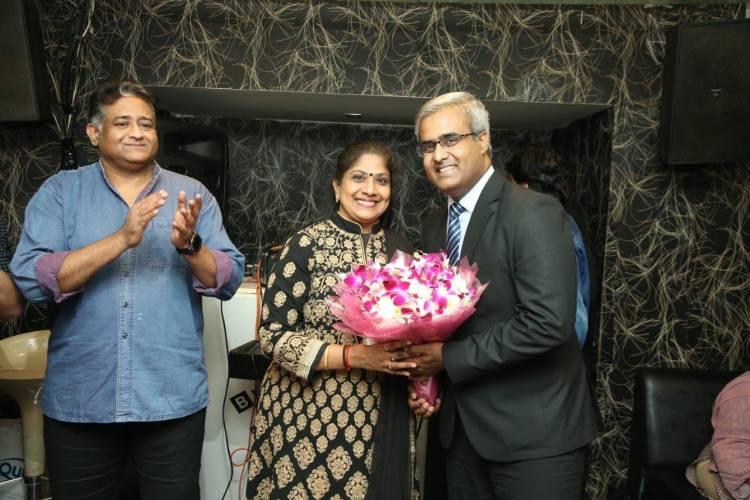 'Jaya Ho' completes four hundred weeks at Black & White Resto Bar, The Residency