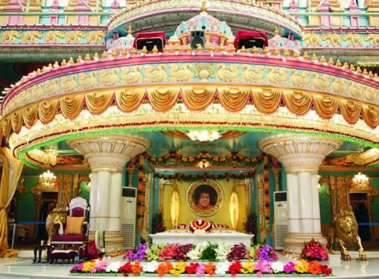 புட்டபர்த்தியில் பக்தர்கள் செல்ல நாளை முதல் அனுமதி