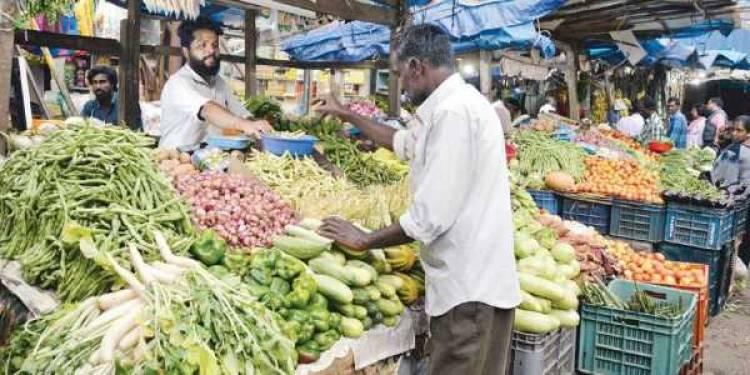 கேரளத்தில் 16 காய்கறிகளுக்கு குறைந்த பட்சவிலை அசத்திய முதல்வர் பினராய் விஜயன்