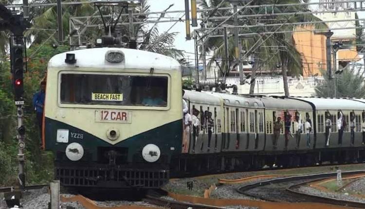 சென்னையில் 4 ரயில் நிலையங்களில் பார்க்கிங் வசதியை மூடியது செல்லாது ஐகோர்ட்