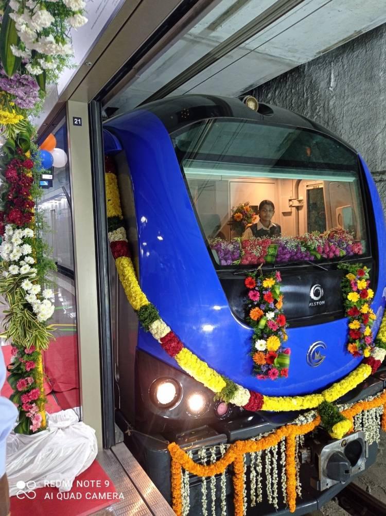 சென்னை மெட்ரோ ரெயிலின் ரயில் வாஷர்மன்பேட்டிலிருந்து விம்கோ நகருக்கு முதல் சேவையை இயக்க தயாராக உள்ளது